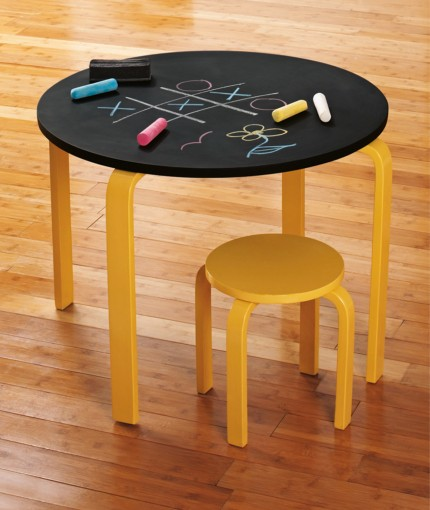 SCHULTAFELLACK (SPRÜHDOSE) - chalkboard-table-430x510